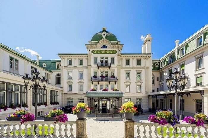. Grand Hotel Kronenhof