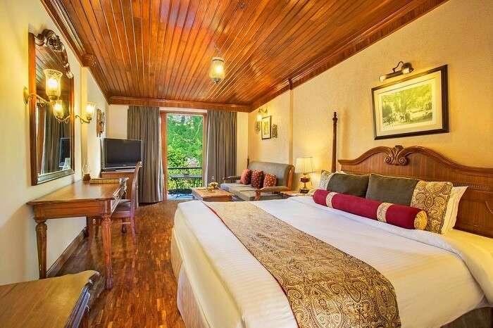 room in naini retreat