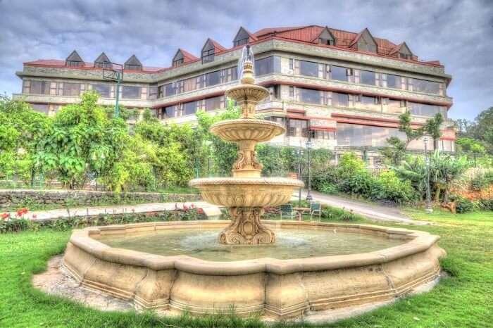 Front view of Ravine Hotel Panchgani