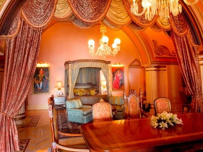 Grand presidential suite in Taj Lake Palace