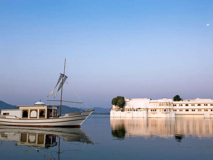 Jiva Boat Spa in Taj Lake Palace