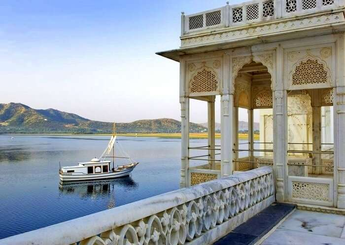 Taj Lake palace experiences udaipur