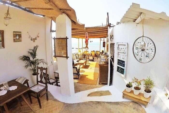 Cafes in Anjuna