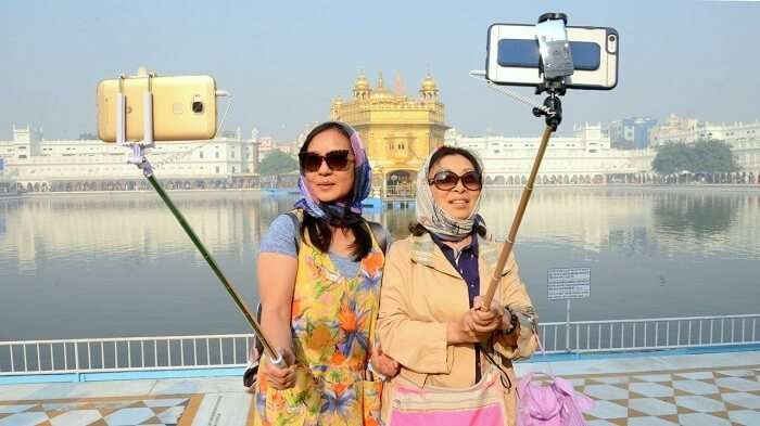 Chinese Tourists In India