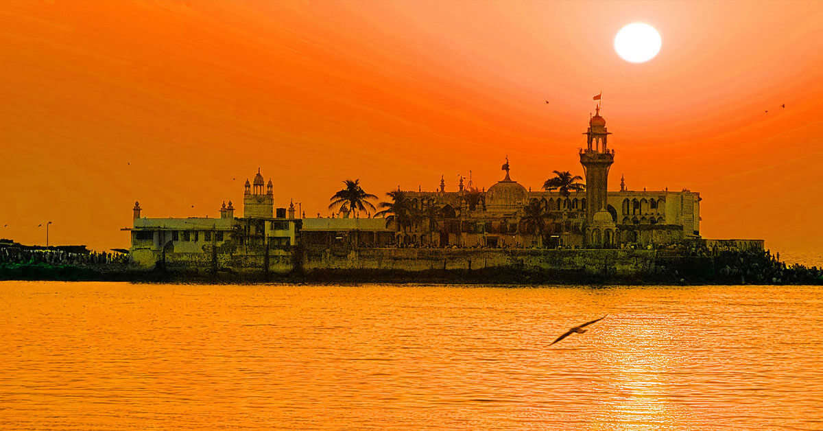 Haji Ali Dargah by in the middle of a sea