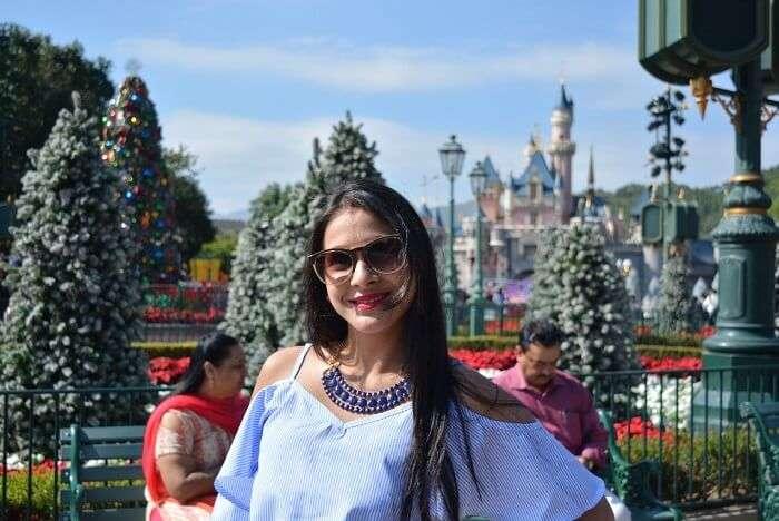 isha aggarwal hong kong family trip: at Disneyland