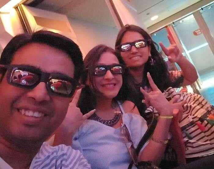 isha aggarwal hong kong family trip: 3D show