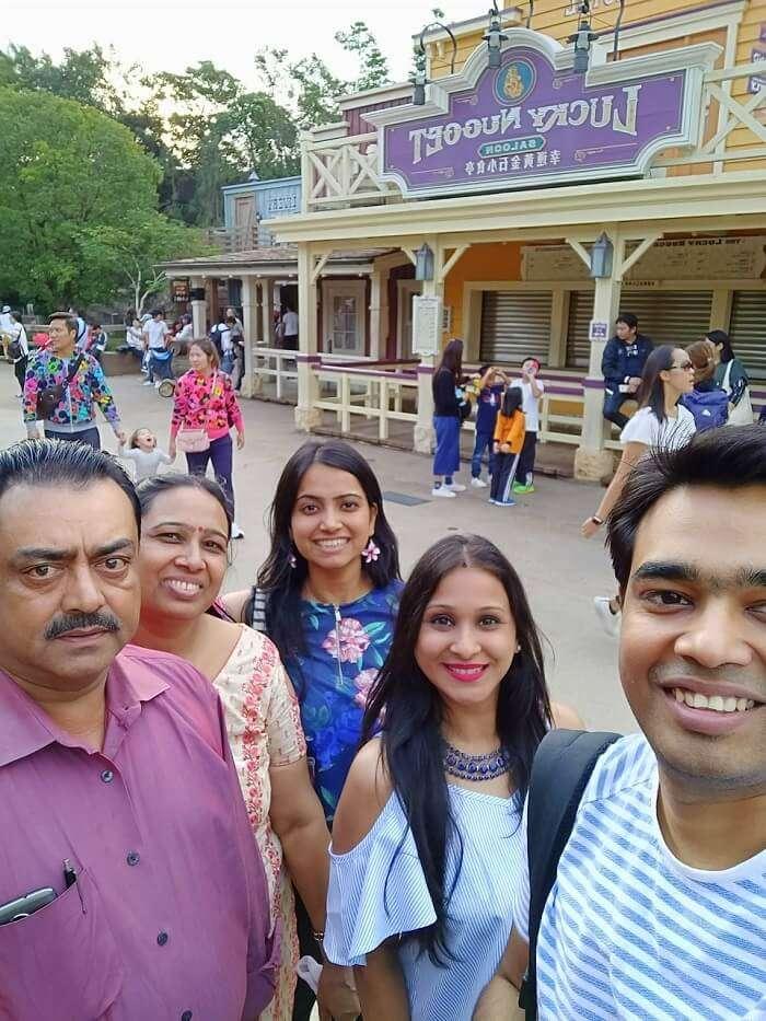 isha aggarwal hong kong family trip: with her family in disneyland