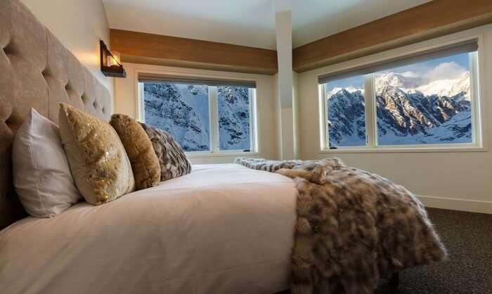 Sheldon Chalet Bedroom