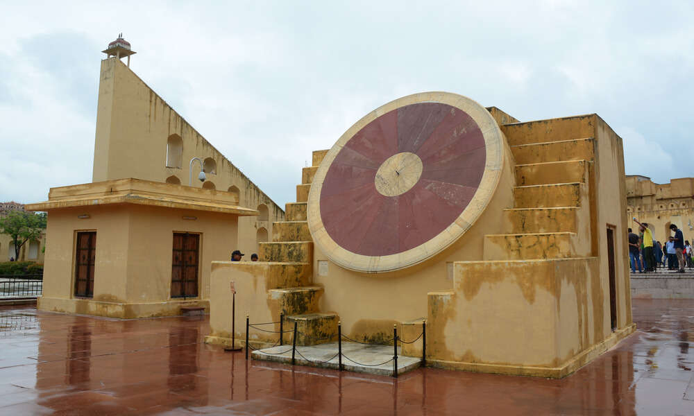 a big sun dial in jantar mantar