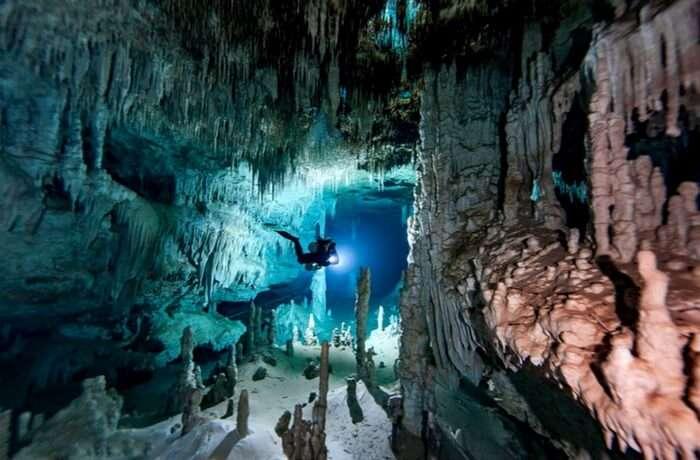 acj-1801-worlds-largest-underwater-cave (1)
