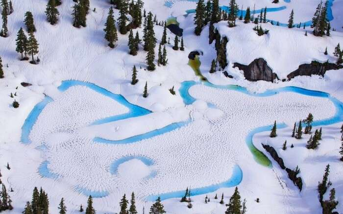 acj-kayak-in-canada-glacier (6)