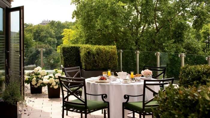 four seasons outdoor london