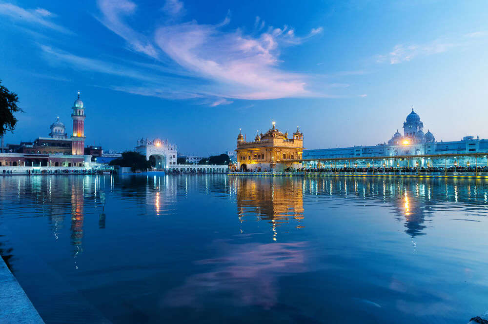 golden temple and holy pool