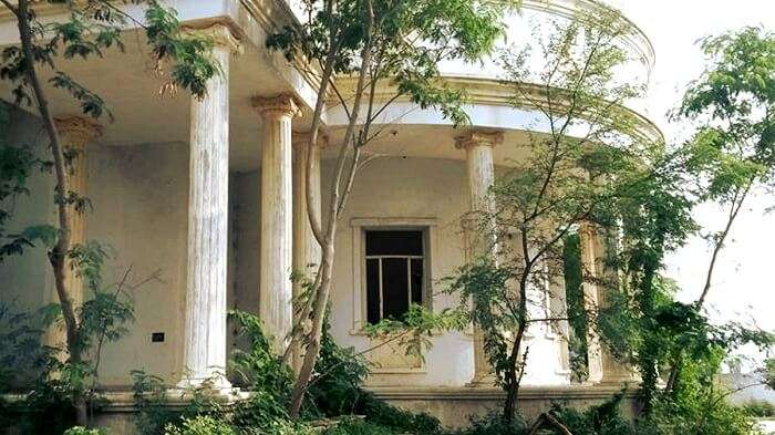 Avadh Palace, one of the most haunted places in Gujarat