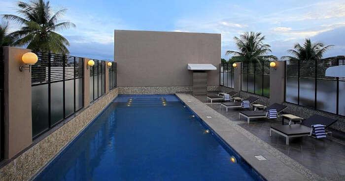Deccan Rendezvous swimming pool