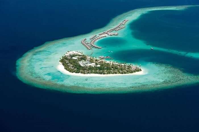 Halaveli Islands