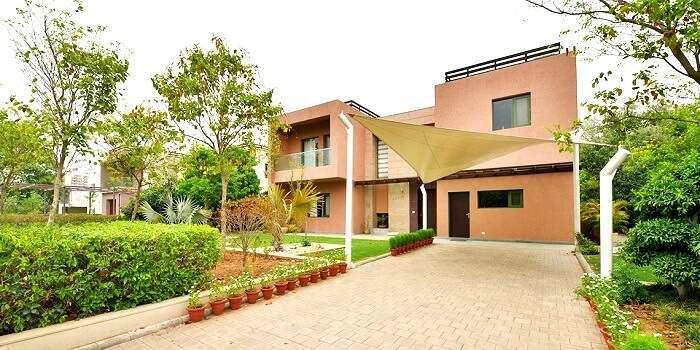 Entry of Karma Lakelands Gurgaon