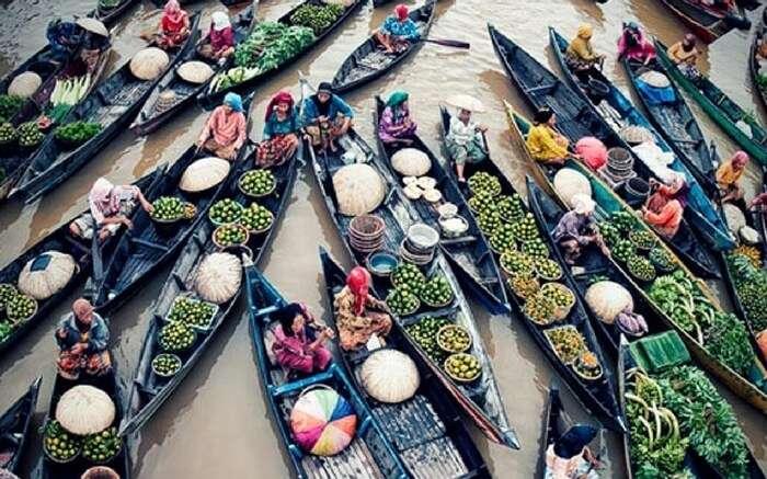 acj-0502-floating-market-kolkata