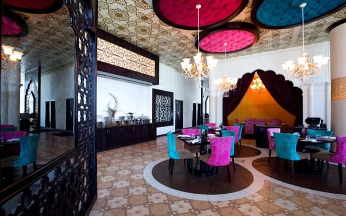 acj-2702-indian-restaurant-in-abu-dhabi (1)
