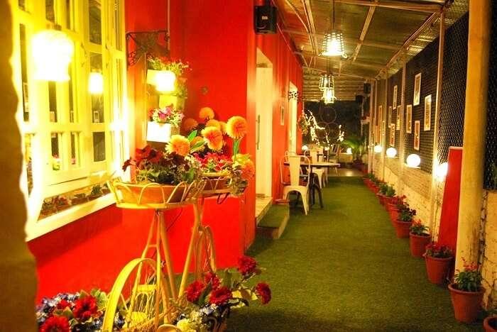 entry of bmg restaurant Dehradun