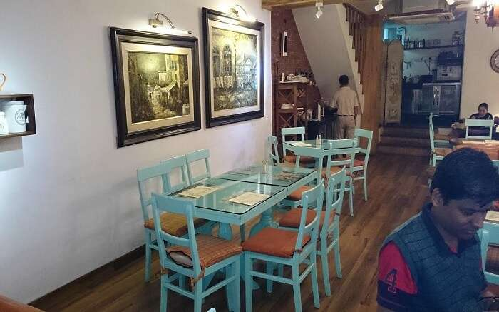 simple decor of a beautiful cafe