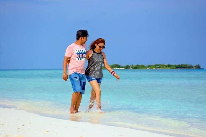 ankit wadhwa maldives honeymoon: photoshoot beach walk