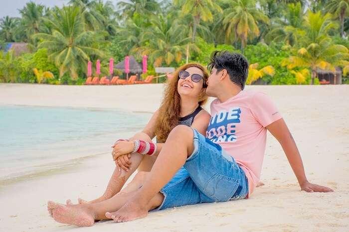 ankit wadhwa maldives honeymoon: photoshoot beach