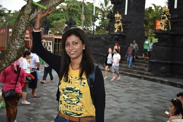 bali tanah lot temple visit