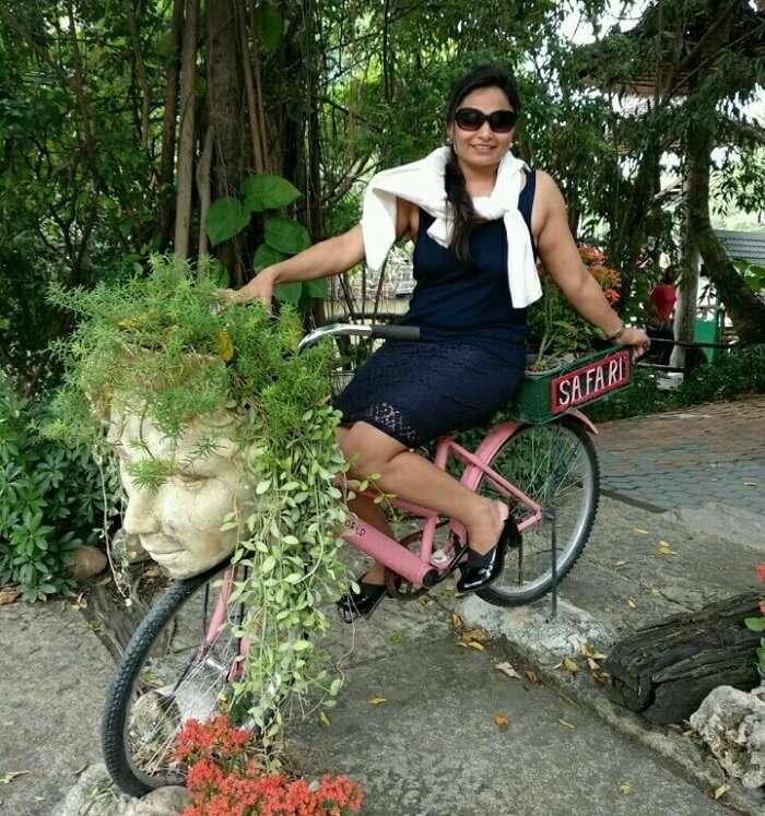 visit the safari park in bangkok