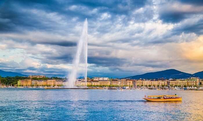 Enjoy paddle boarding in Geneva Lake