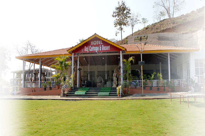 Hotel Raj Cottage And Resort