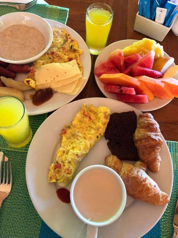 sun island resort food
