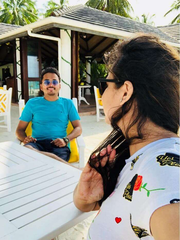 outdoor eating at sun island resort