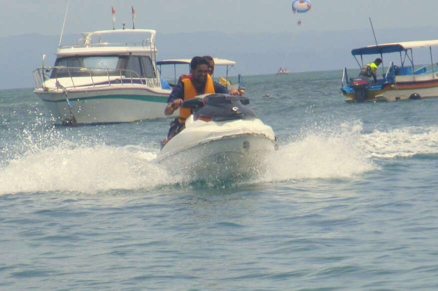 tushar honeymoon trip to Bali: tushar jet ski