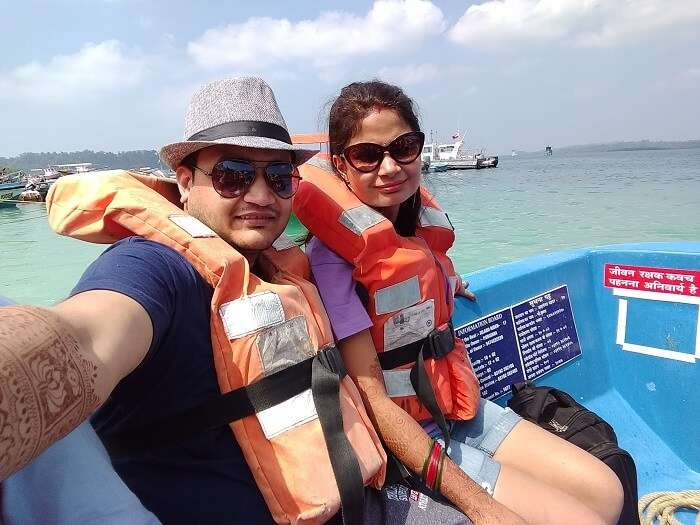 couple doing water sports in andaman