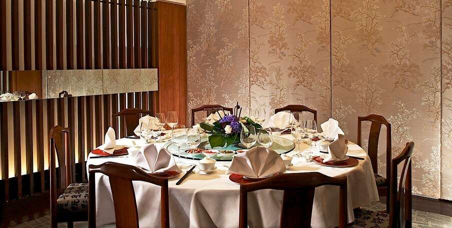 a fine dining restaurant in singapore