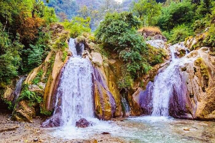 see waterfalls in chakrata