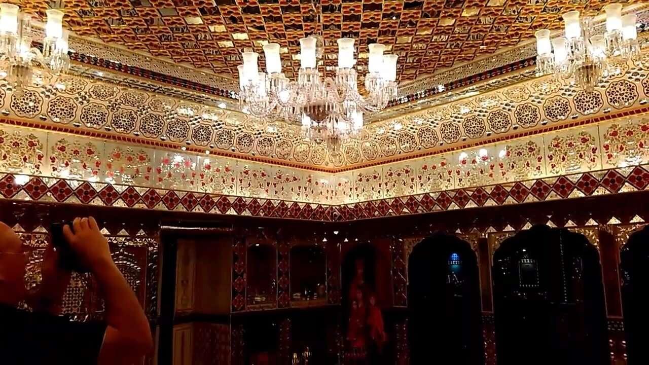 sheeshmahal on jaipur wax museum