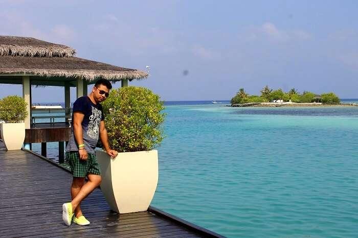 deeptis husband in maldives
