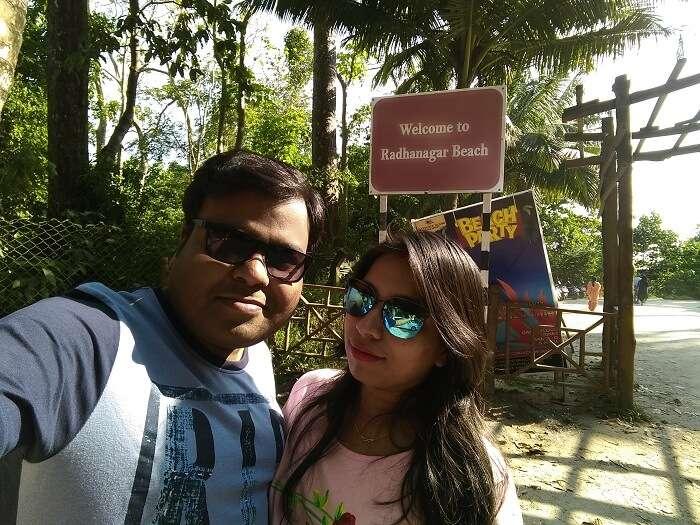 couple at radhanagar beach andaman