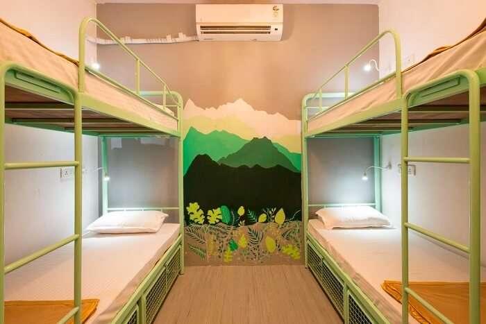 dorm in hostel mantra
