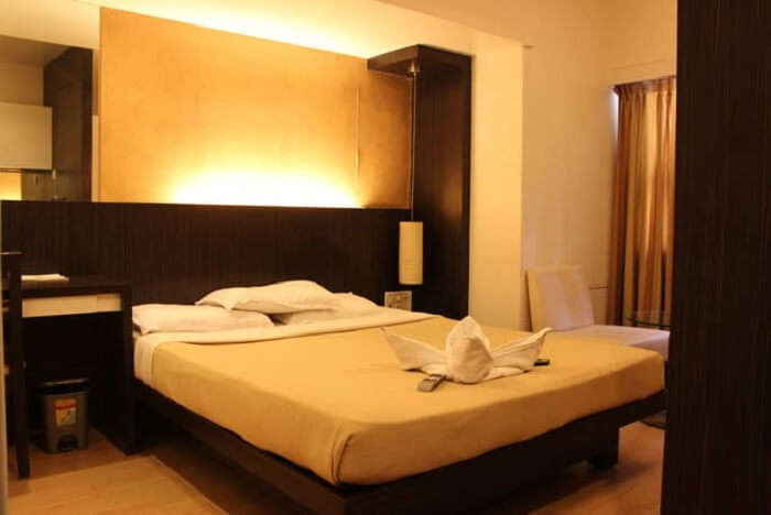 hotel mourya in thane