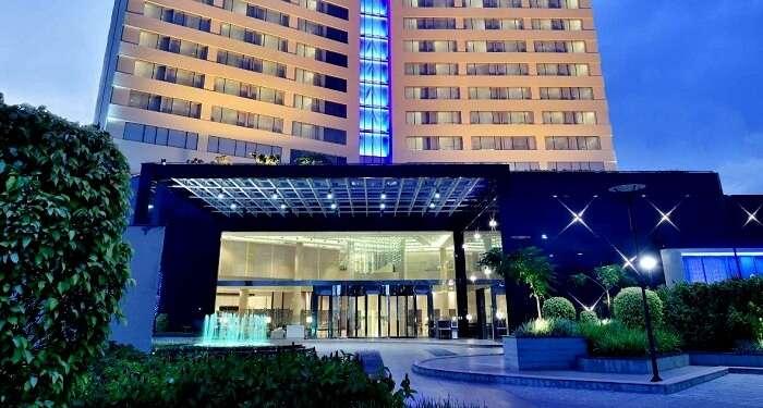 kochi Marriott hotel kerala