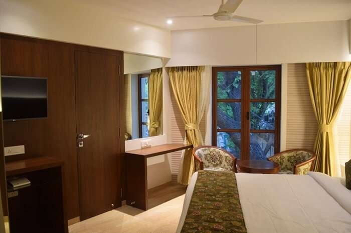 south coast hotel thane