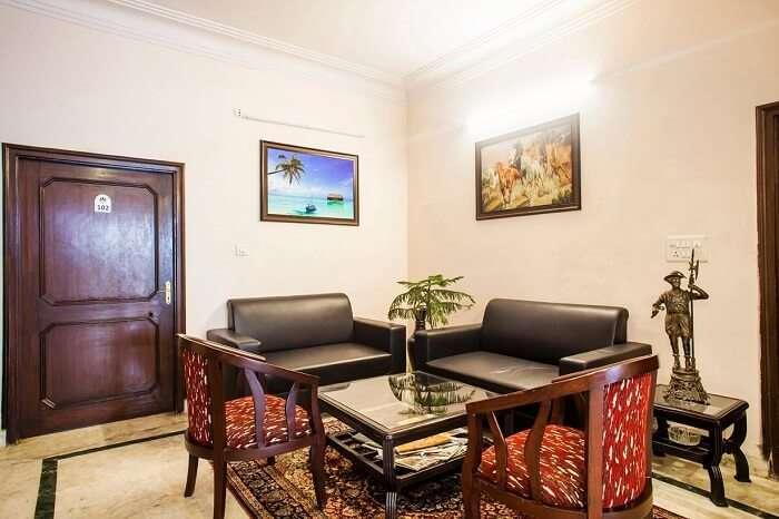 stay at Raika's Homestay in jaipur