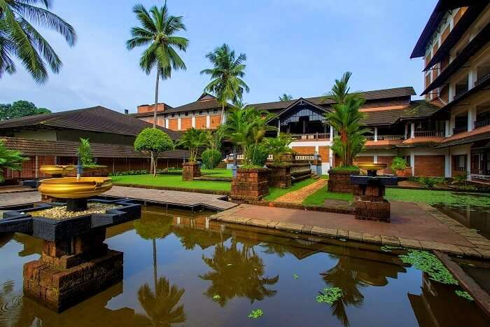 the raviz hotel in kerala
