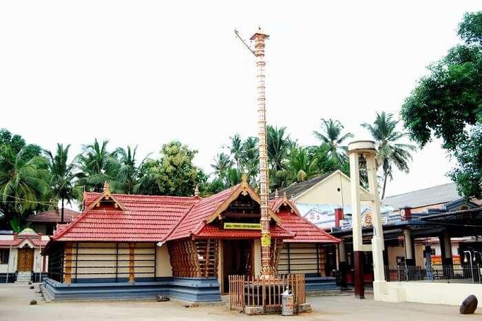 visit Vadakkanthara temple palakkad