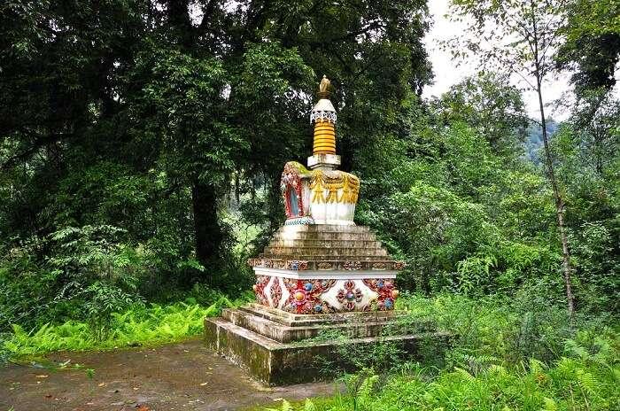 Buddhist site, Kanchenjunga, Lake