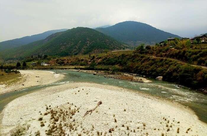 Drive from Thimphu to Punakha